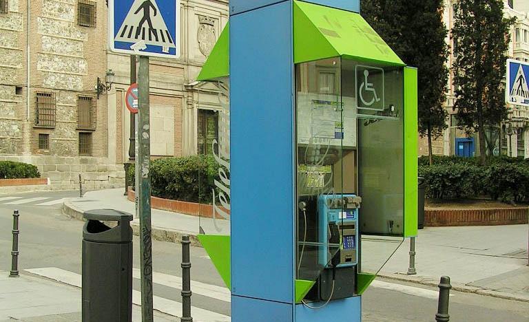 UGT advierte de la pérdida de empleo que generará la desaparición de las cabinas telefónicas