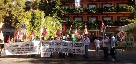 Tras el verano, UGT y CCOO retoman las movilizaciones del sector de la Hostelería en Granada