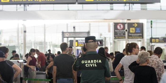 Cilleros (UGT) y García-Legaz (AENA) se reúnen para abordar la situación de los servicios auxiliares en aeropuertos