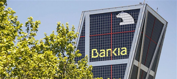 Frente al oligopolio financiero, Banca Pública