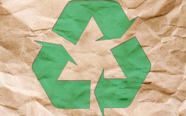 UGT reclama una gestión sostenible de los recursos para reducir su generación y peligrosidad
