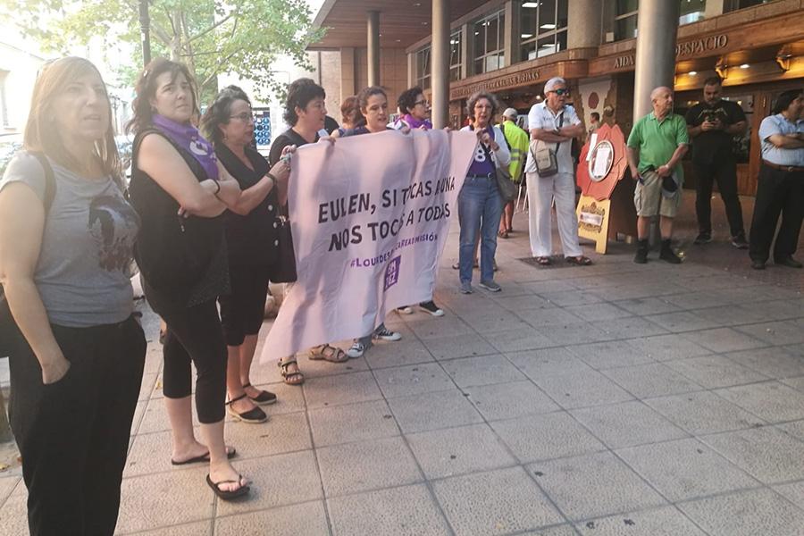 UGT satisfecha por la readmisión de la trabajadora de limpieza de Eulen, despedida por secundar la Huelga el 8M sin avisar