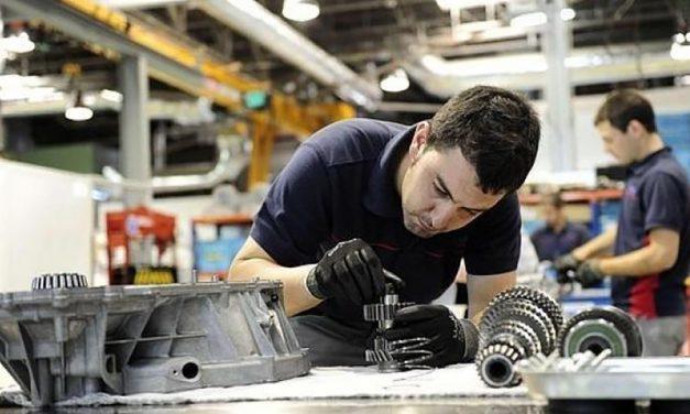 Más industria, más y mejor empleo y un reparto de la riqueza más equitativo