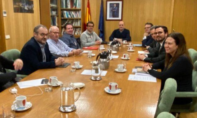 FeSMC-UGT se reúne con el ministro Garzón para abordar la situación del sector del juego