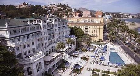 UGT y CCOO acusan al Gobierno andaluz de romper décadas de consenso en la mesa de Turismo
