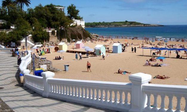 UGT insta a contratar vigilantes de seguridad para las playas de Santander y no recurrir a alternativas menos fiables