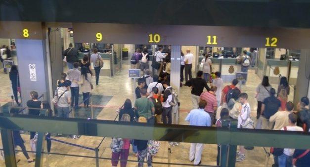 La seguridad de los aeropuertos españoles, a subasta