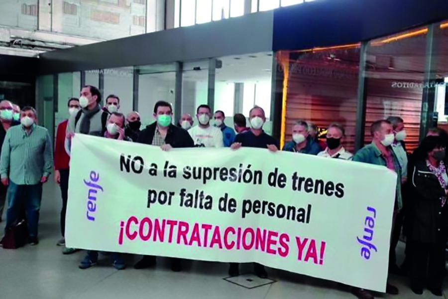 Trabajadores de Renfe Bizkaia retoman hoy movilizaciones en protesta por la supresión de trenes de cercanías