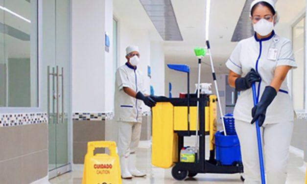 El personal de limpieza de hospitales y centros de salud también está muy expuesto al Covid-19