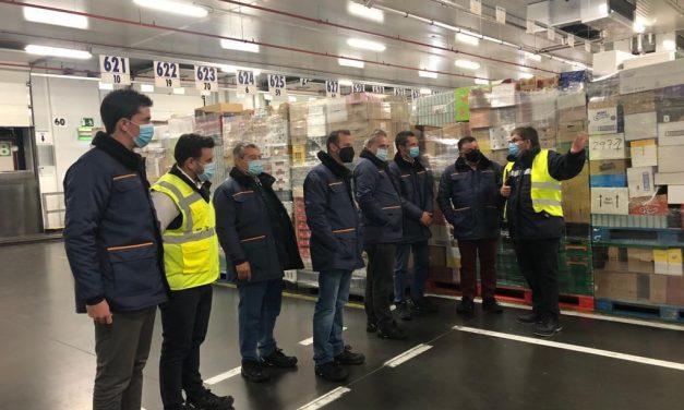 Eduardo Carrillo, Secretario General de FeSMC-UGT Andalucía visita el bloque logístico de Mercadona en Guadix (Granada)