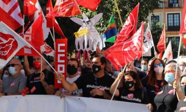 UGT insiste en que los sindicatos no aceptarán salidas forzosas en el ERE de CaixaBank
