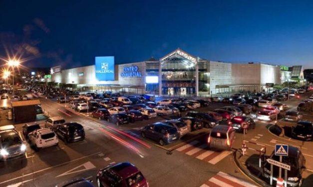 UGT pide en nombre de 300 trabajadores adelantar 30 minutos el horario del centro comercial Valle Real