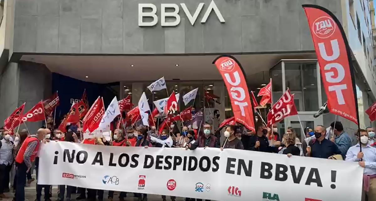 Los sindicatos de BBVA logran minimizar el impacto de un ERE inmisericorde