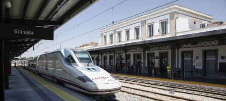 """UGT califica de """"atropello"""" a Granada y a los trabajadores ferroviarios la remodelación de la Estación de Trenes"""
