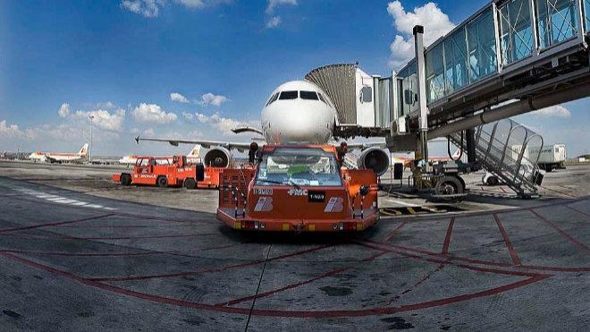 Los sindicatos logran un acuerdo que garantiza el empleo en el handling aeroportuario