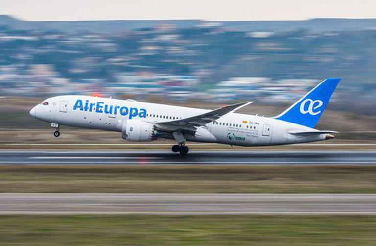 UGT denuncia el acuerdo de modificación de convenio de Air Europa Líneas Aéreas