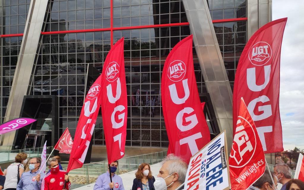 Los sindicatos de CaixaBank firman dos acuerdos de gran trascendencia