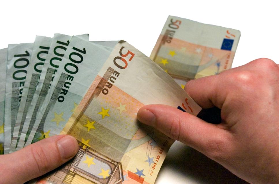Acuerdo en el convenio colectivo de establecimientos financieros de crédito