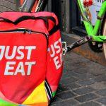 Just Eat, FeSMC-UGT y CCOO negocian el primer convenio colectivo de una plataforma digital de reparto de comida a domicilio en España